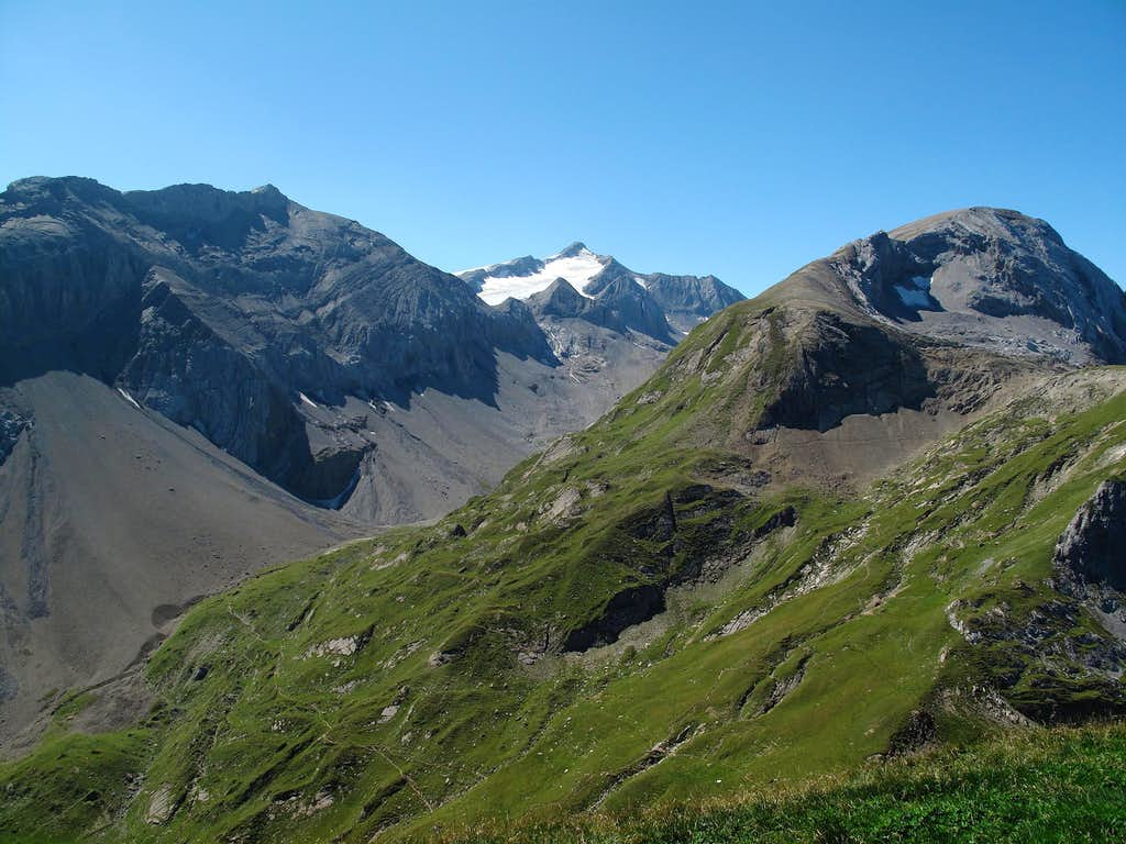 View to Schnidehorn (2937 metres) and Wildhorn (3247 metres) from the Iffighorn