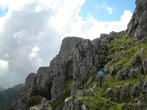 On the east face traverse....