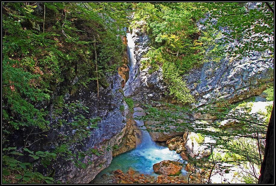 Moznica/Nemclja waterfall