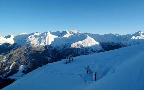 Tischler group, Ankogel and the mountains along the Salzburg-Kärnten border surrounding the Anlauftal behind Böckstein
