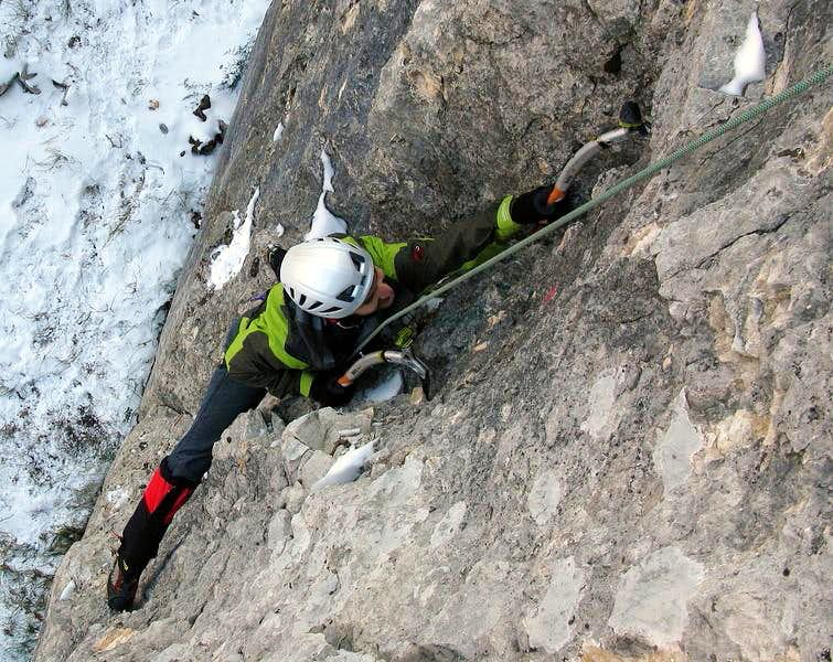 Dry tooling at Veli Vrh