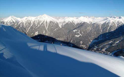 View from the Stubnerkogel towards the Radstädter Tauern and the Dachstein (in the distance)