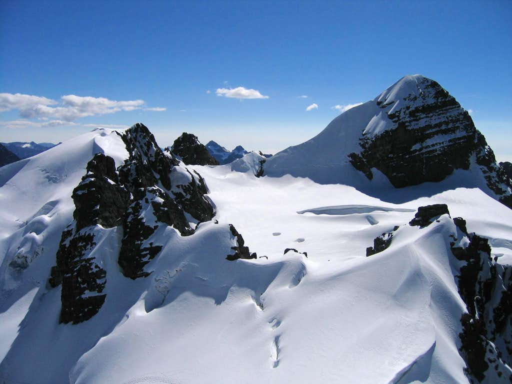 view from PB summit towards Pequeno Alpamayo