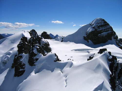view from PB summit towards Pequeno Alpamayo