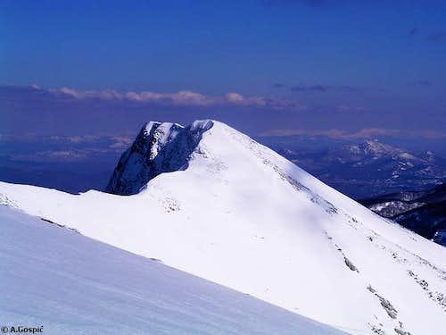 Sharp summit of Segestin...