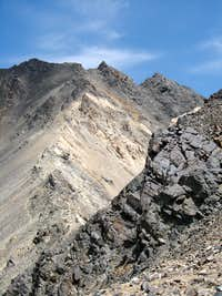 The ridge that take you till the summit of Alam kooh.