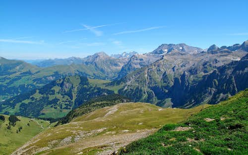 View to Lohner (3049 meters), Eiger (3970 meters), Blümlisalp (3664 meters) and Wildstrubel (3243 meters)