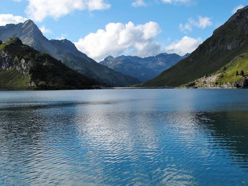 View across the Spullersee lake in northern direction