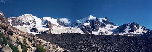 Panoramic view: Piz Bernina - Piz Scerscen - Piz Roseg