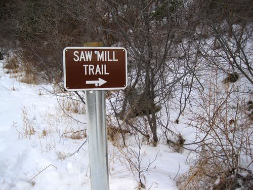 Trail sign for the route to Rocky Mouth Canyon Peak via Big Willow Canyon