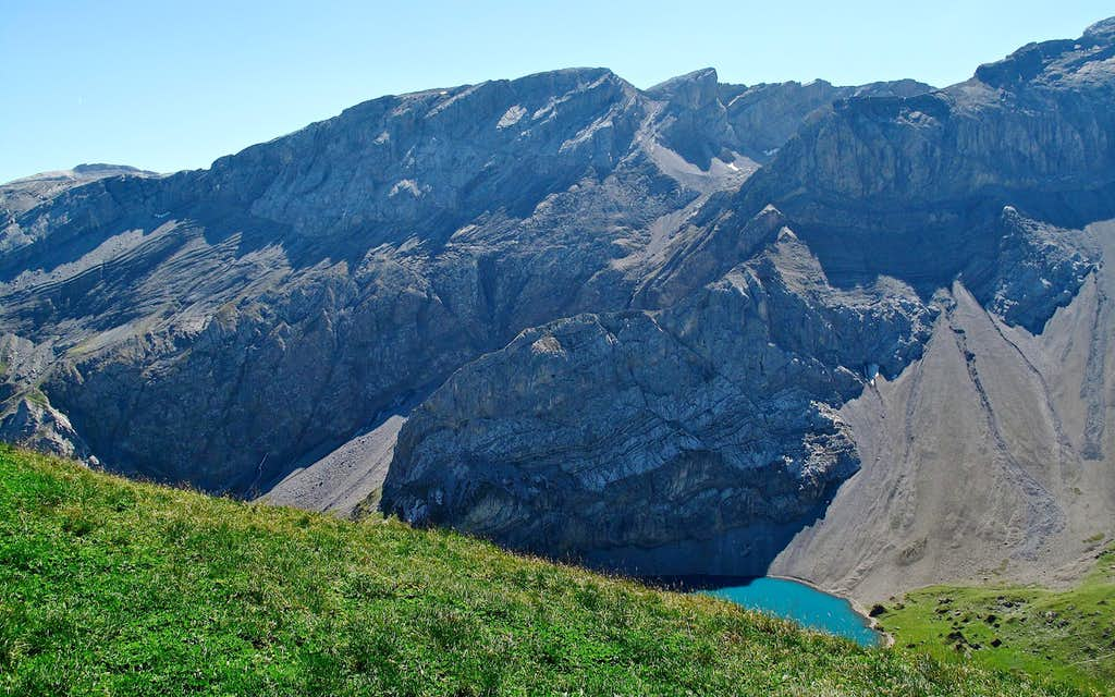 The scree and cliffs above the Iffigsee lake