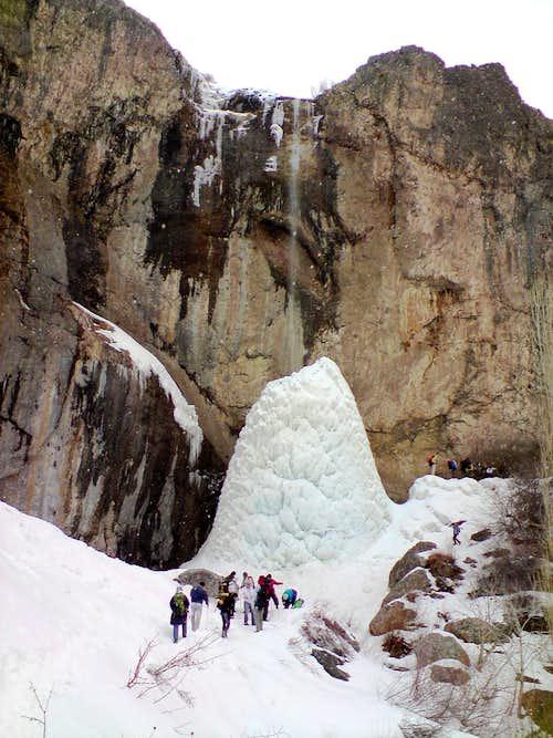 Sangan Waterfall and pahne hesar peak