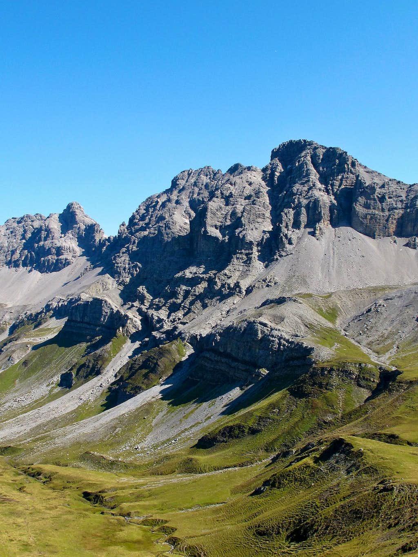 The Kuglaspitze (2684m) in the Lechtal Alps seen from the Rauhekopfscharte-Stuttgart hut trail