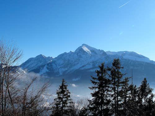 Kleiner Göll, Hoher Göll and Hohes Brett seen from below Kneifelspitze above Berchtesgaden