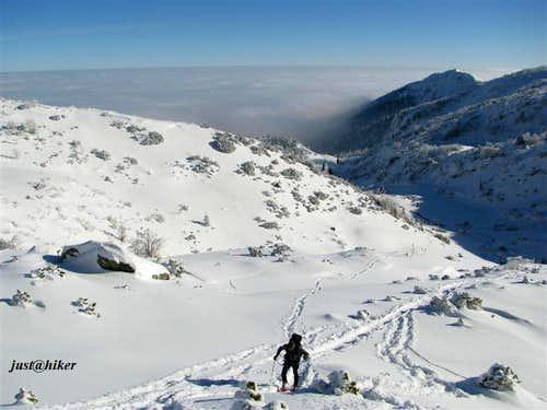 Ascent to Nadkrstac (2.112m)