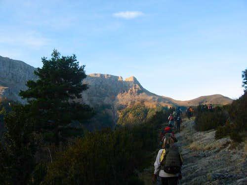 Heading to Gurundé in the Escuaín canyon