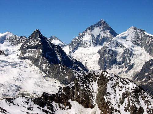 Dent Blanche (4 356 m),...