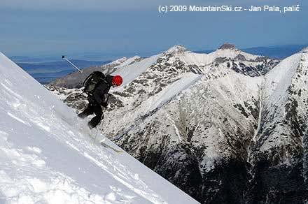 Another skier on the way down to Ceska dolina