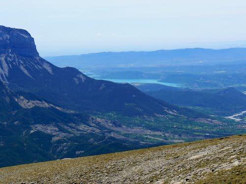 Peña Montañesa and the Ainsa lake from peak Comodoto