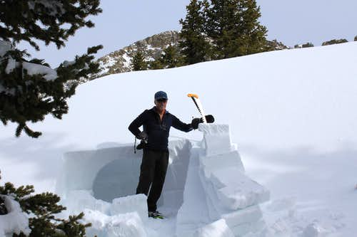 Igloo builder