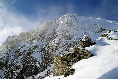 Kiezmarsky stit (2556m)seen from the ridge