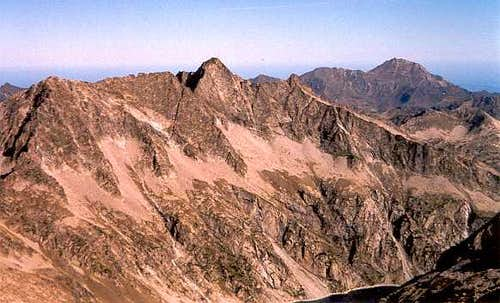Pic de Néouvielle and the sharp ridge of the Trois Conseillers route