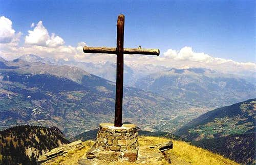 View towards NE from the cross on the top of Mont Paillasse <i>(2414m)</i>