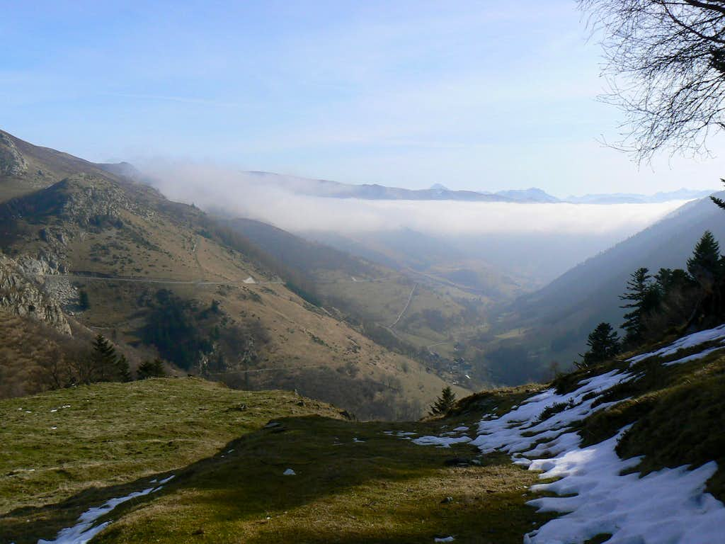 On the way to the Montious, overlooking Louron valley