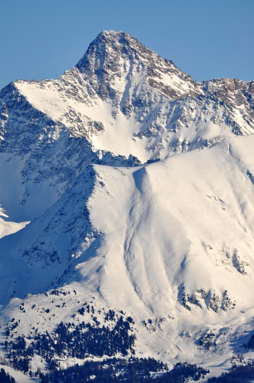 Garin Peak from Vens