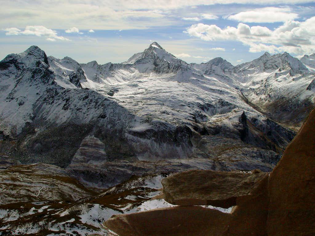 Lavina Mountain Chain