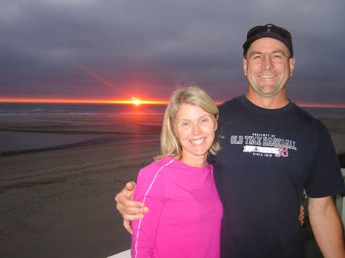 Sunset on the Oregon Coast, peakbagging isn\'t part of my thoughts yet