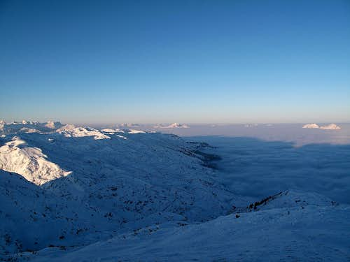 Early morning view from the Salzburger Hochthron to the west