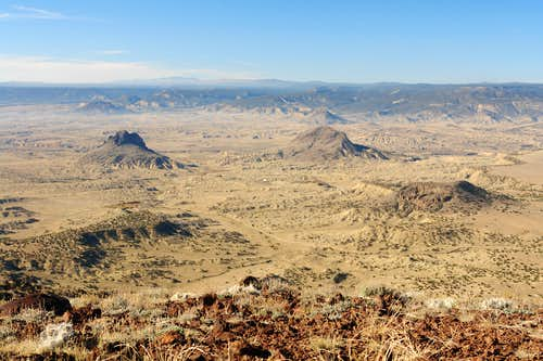 Cabezon Peak: summit view  southwest