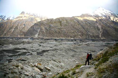 Trekkers on Baltoro Glacier