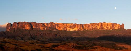 Sunset - Monte Roraima