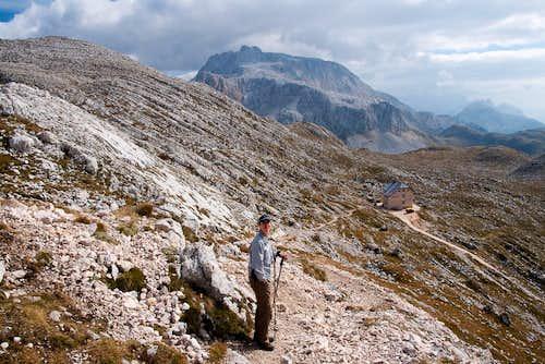 Descending towards Seekofelhütte