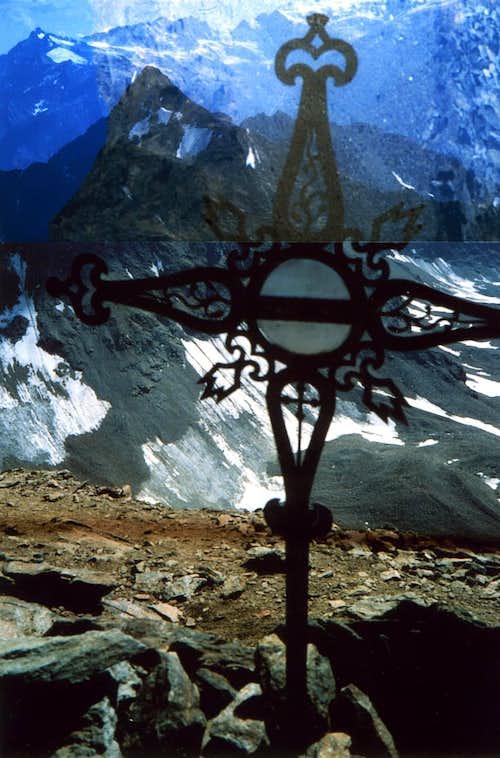 A/emilius's  Old Cross