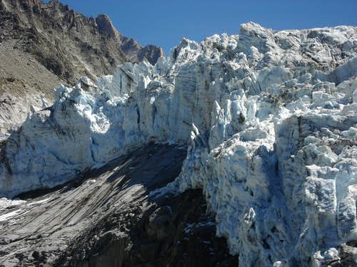 THe icefall of Glacier d\'Argentiere
