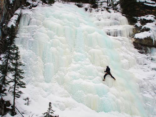 Evan-Thomas Creek Ice Climbs