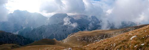 Summit view towards the Prags / Braies Dolomites