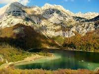Trnovačko Lake in October