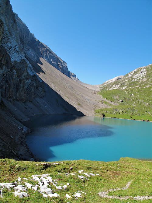 Iffigsee lake and Schnidejoch pass (2756m)