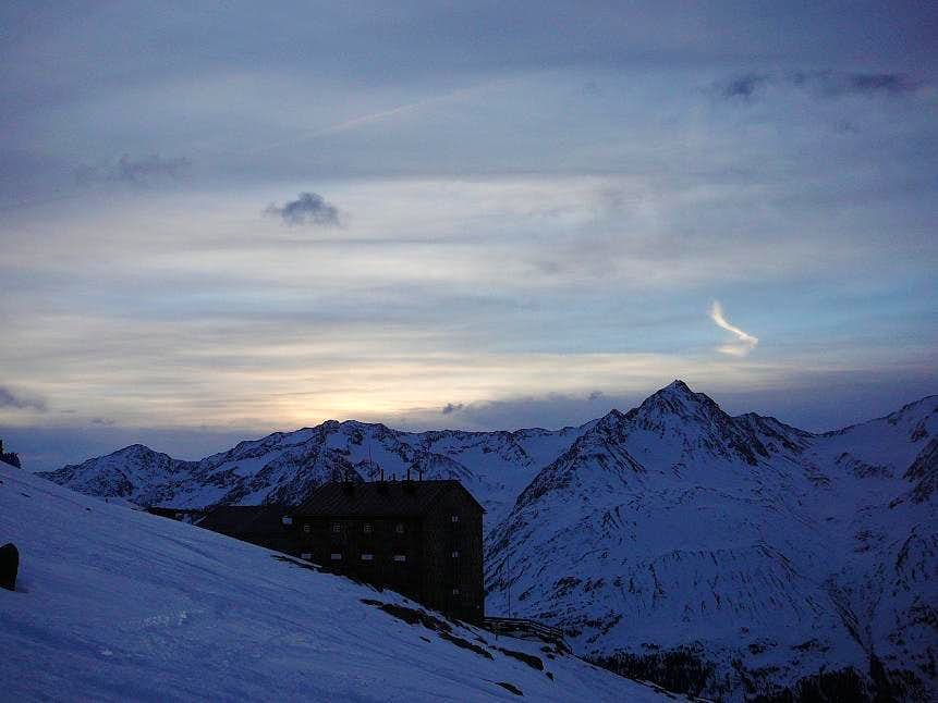 Sunrise at Breslauer hut