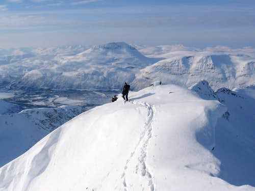Winter ascent of Middagsaksle