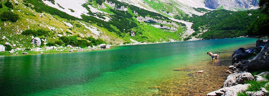 Veliko Škrčko Jezero lake