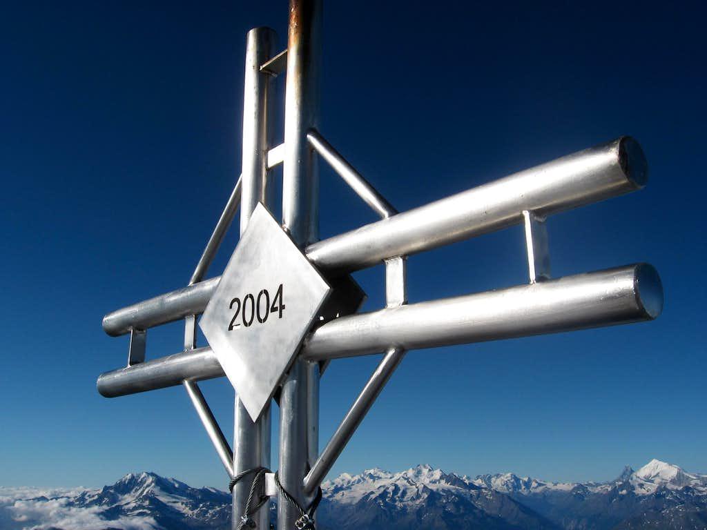 Nesthorn Summit Cross