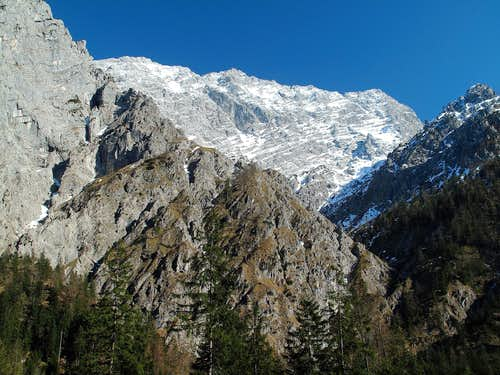 Looking up to the Watzmann (2713m) with it\'s west wall from the Wimbach valley