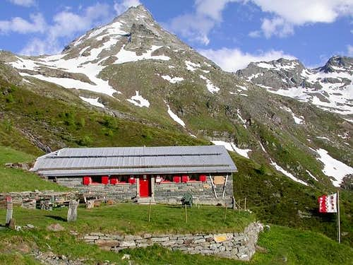 The Bortelhütte at 2113 m...