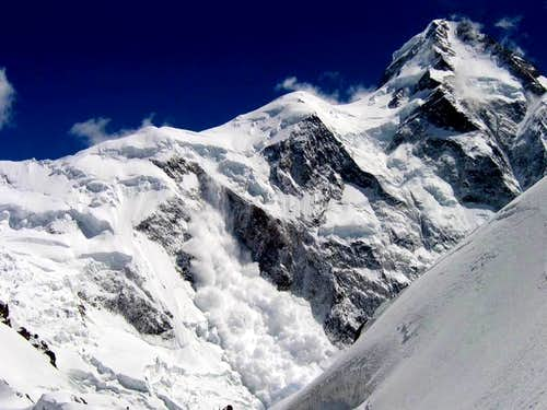 Avalanche from K2