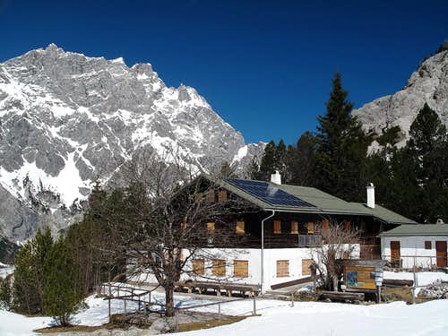 The Wimbachgries hut on 1327 meters, with the mighty bulk of the Hochkalter (2607m) in the background